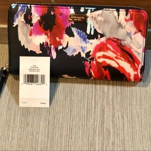 1 DAY SALE Kate Spade large Neda zip around wallet